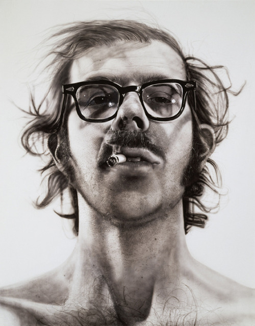 Master, Chuck Close is in London for the time being. Should drop by an visit him in #WhiteCube gallery down in Bermondsey    Big Self Portrait by Chuck Close