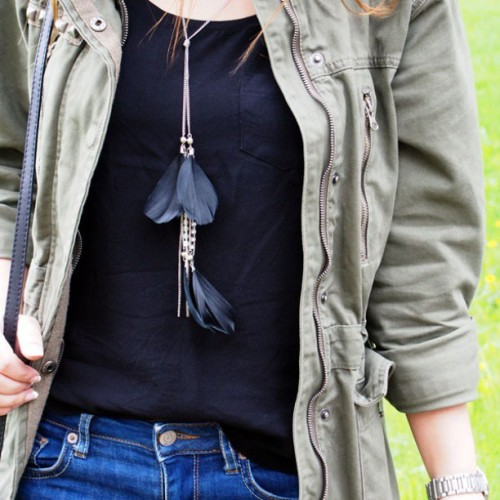 #outfit #clothes #style #army_green #jacket #jeans #feather #necklace #black #shirt #comfy