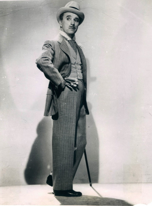 Charlie in a press photo for Monsieur Verdoux c.1947
