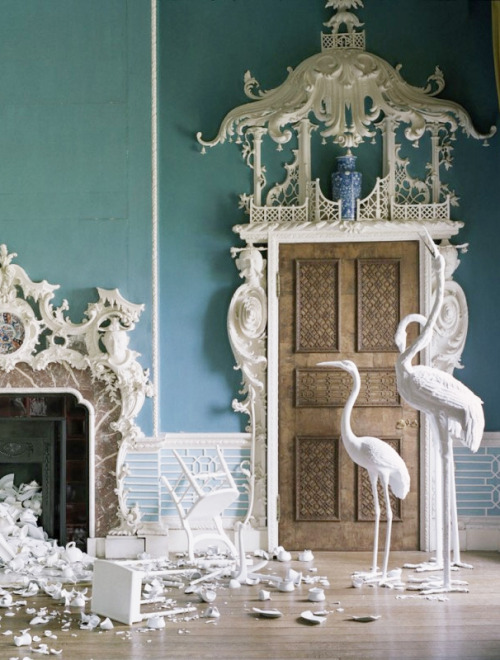 bienenkiste:  Photographed by Tim Walker for Casa Vogue