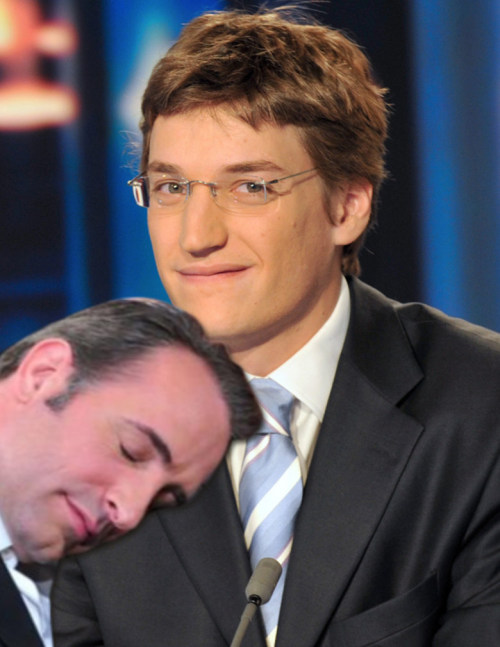 Jean Dujardin is sleeping on Jean Sarkozy