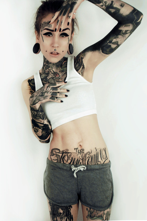 creeperscrawling:  thrilldopeshitniggazs:  capekalaska:  Monami Frost.Lady crush.  😍😍  Absolutely stunning.