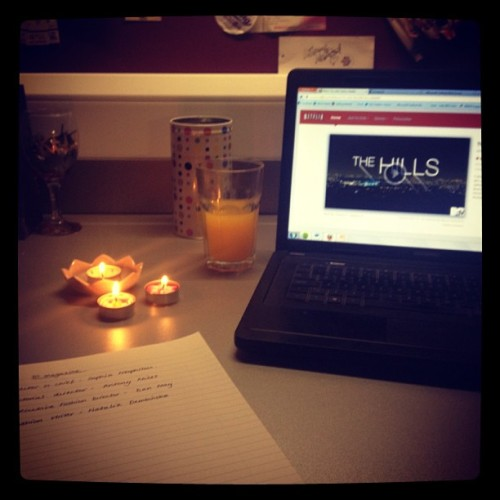 The most chilled out kind of studying tonight. #chill #dayoff #uni #study #candles