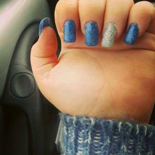 #gelnails #sparkles #glitter #midnight #blue #silver #manicure #formal #wooly #jumper