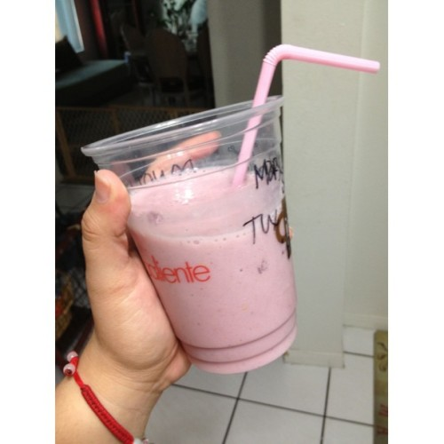Sweet tooth satisfied! 🍓🍌🍼😋 Almond milk and blueberry yogurt with frozen strawberries and bananas #fitspo #foodie #healthyeats #smoothie #imabuyyouadrank