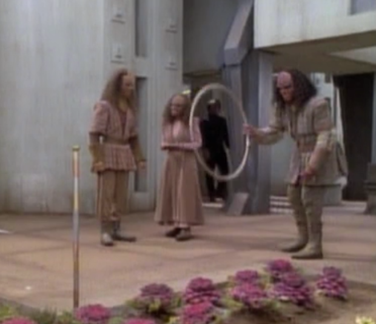 lol spotted a Klingon hula hoop while watching Star Trek