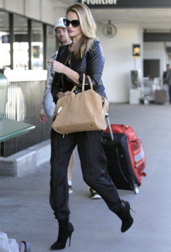 caligurls25:  LAX Airport - May 3, 2013