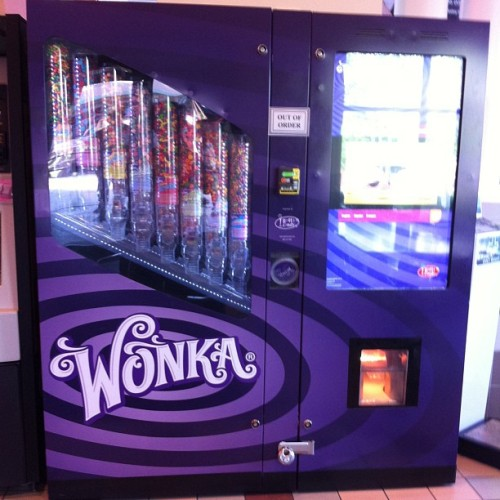 Lmao it's a wonka machine!!! Lol 🍬🍬🍬