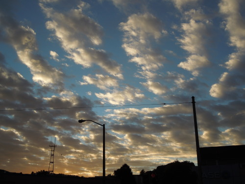 Sky at 15th and Sanchez, 8 December 2012
