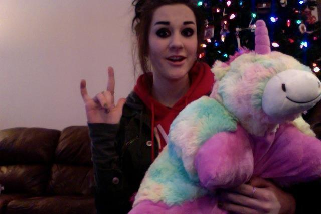 MERRY CHRISTMAS EVERYONE from me and rainicorn