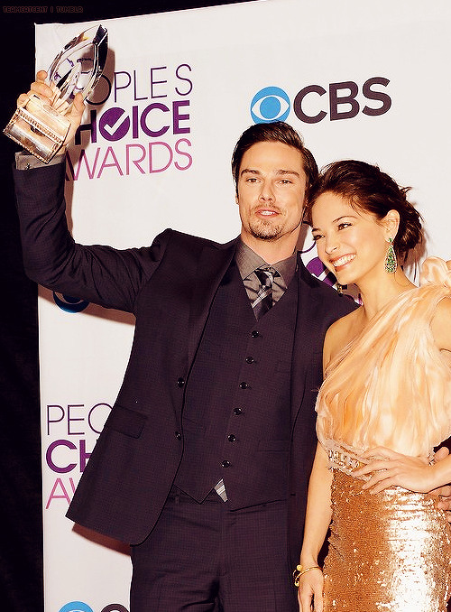 cwnetworkbeautyandthebeast:  Loving @JayRyan @MsKristinKreuk who represented for Beauty and The Beast last night #BATB