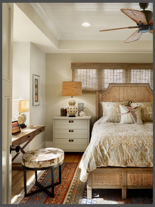 georgianadesign:  New York beach cottage by Gacek Design Group.