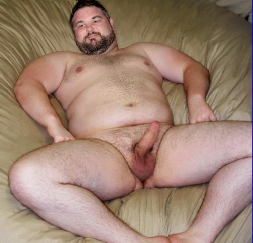 housebearsofatlanta:  gulobear:  YUM  Wow spread eagle