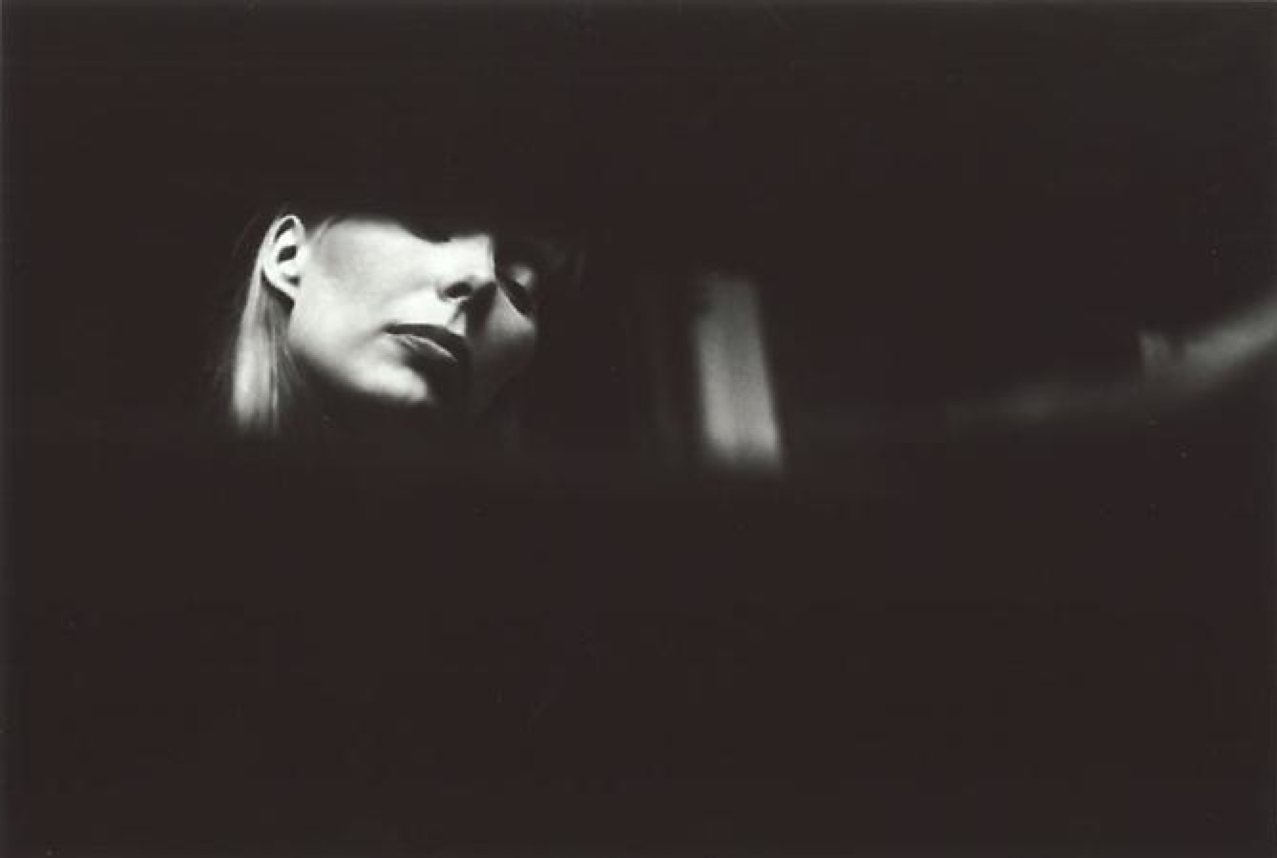 theswinginsi Joni Mitchell listening to music, 1969. Photo by Graham Nash.