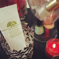 Using @origins out of trouble mask for my troubled skin.  Great solution for detoxing my skin!  💆 #facemask #beauty #skincare #origins #saksbeauty @s5a