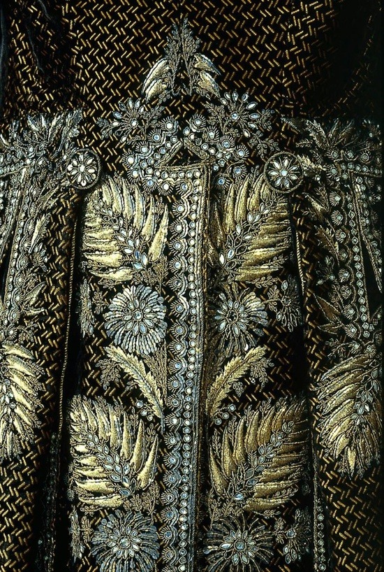 sweetpeapath:  Detail, Man's Court Suit, French, 1785-1792. Silk cut and uncut figured velvet embroidered with gilt silver wire, sequins, and bits of glass