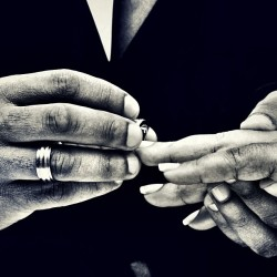 clnerette:  |JUST MARRIED | #weddingmode #wedding #rings #hands #lovers #couple#b&w#lensart #photography #snapshot #randomlikealways