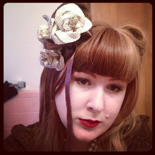 Birthday hair!! Split wig victory rolls and paper roses I made today <3