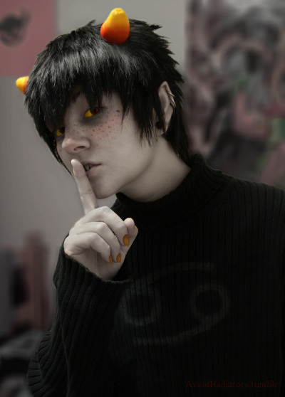 karkatisaliger:  willietheoctopus:  coolkidscosplay:  SHOOOOOSH.  Yo, first post here.  OH NO HES CUTE  hooooooooooooooooooooot
