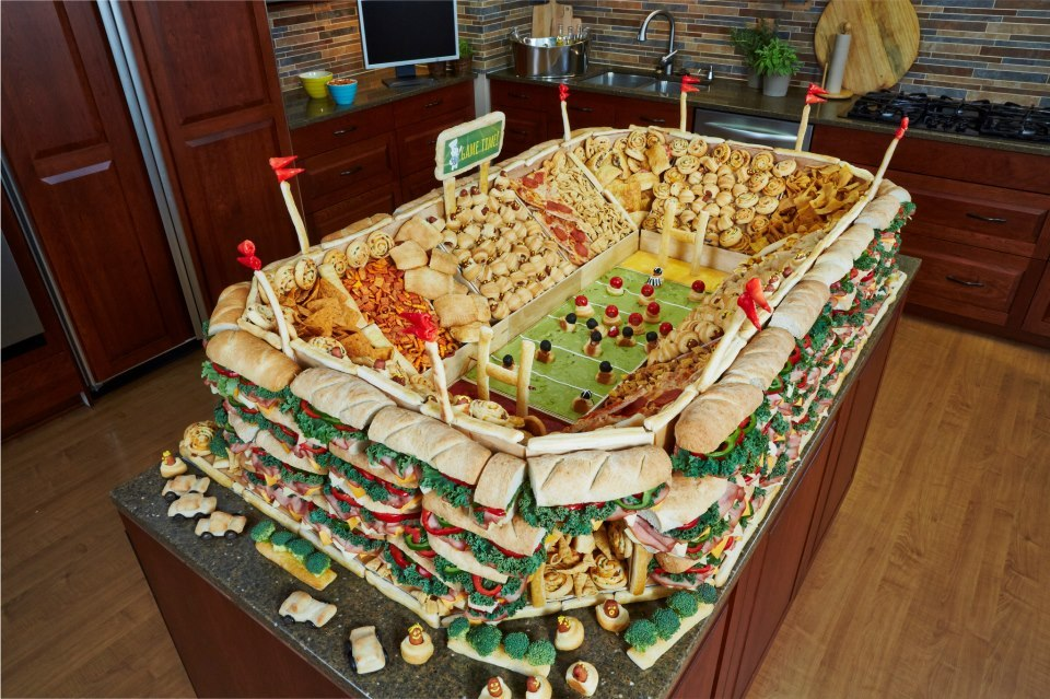 d-0nut:  memewhore:  Just a few snacks for the Superbowl, nbd.  oh my god