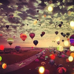 edwardcandy:  #adorable #amazing #ballons #beautiful #color #dreams #lights #love #red #sky #sun #photo #photography