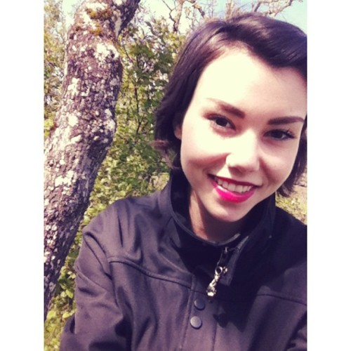 Today was such a lovely day ☀🌷🍃 #me #nature #victoria #garryoak #tree #beautiful