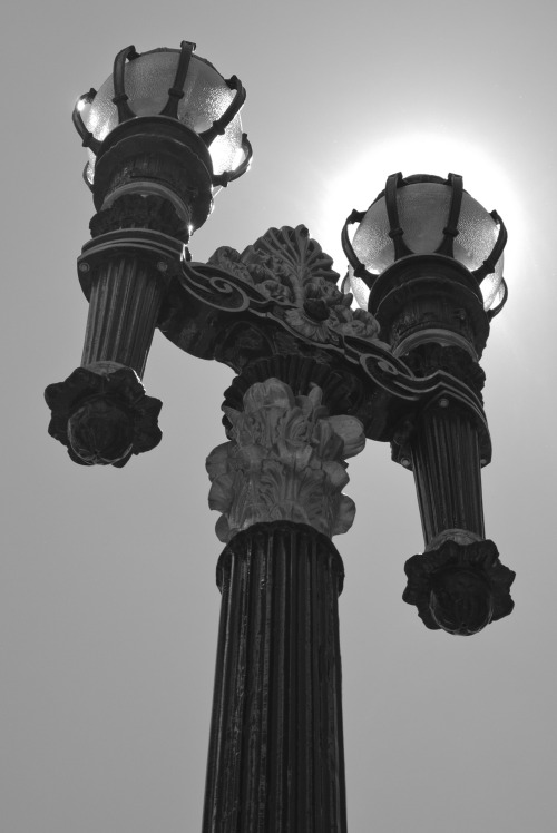 Streetlamp in B&W: Downtown. San Francisco, 05-12-13.