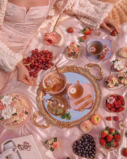 sugar-cafe:https://www.instagram.com/p/CEWUD11l9dO/