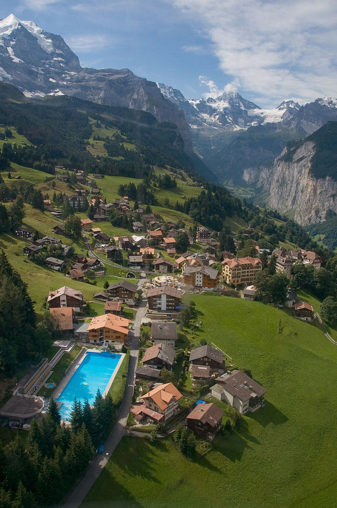 allthingseurope:  Wengen, Switzerland (by Jonnyfez)