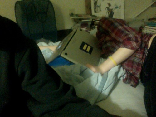 whaoanon:  i think emily fell asleep  WHY DID YOU TAKE A PICTURE