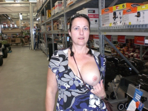 milfshae:Click here to bang a desperate MILF. Registrations open for a limited time
