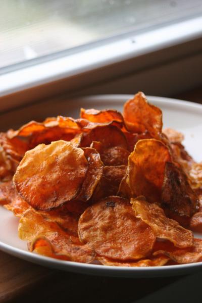 in-my-mouth:  Sweet Potato Crisps