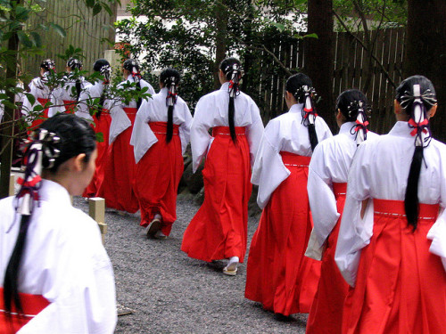Shinto-tastic by jasohill on Flickr.