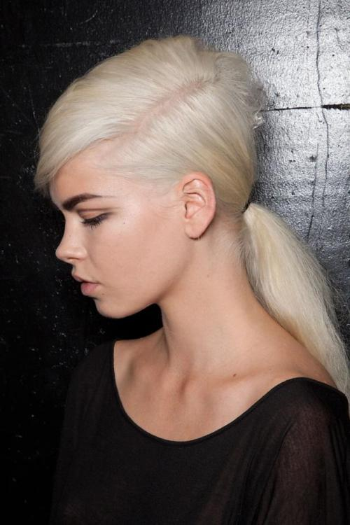 dirtylittlestylewhoree:  Marc Jacobs ss13 60's inspired ponytail hairstyle