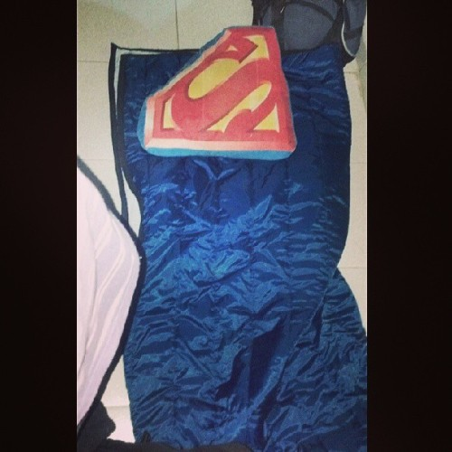 Mi cama improvisada  para dormir en el hospital :P #lol #super #sleepingbag  (en Hospital general de Tierra Blanca)