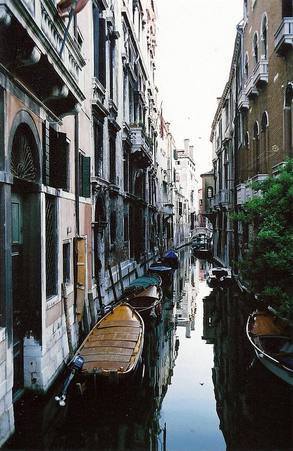 gh0st-ly:  Venice, Italy by jivedanson on Flickr.
