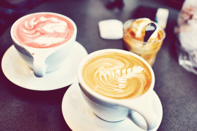 Catch-up chats with my girls, red velvet & cafe latte and jazz music. Sounds like my kinda afternoon.