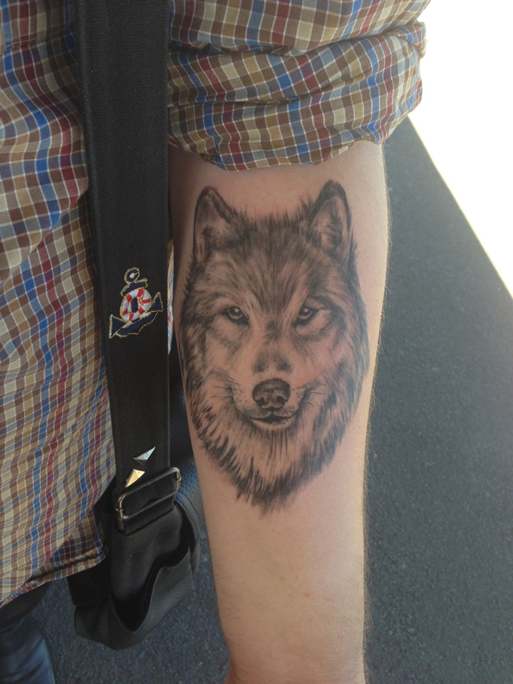 wolveswolves:  buried-lungs submitted:  Here's my tattoo :)