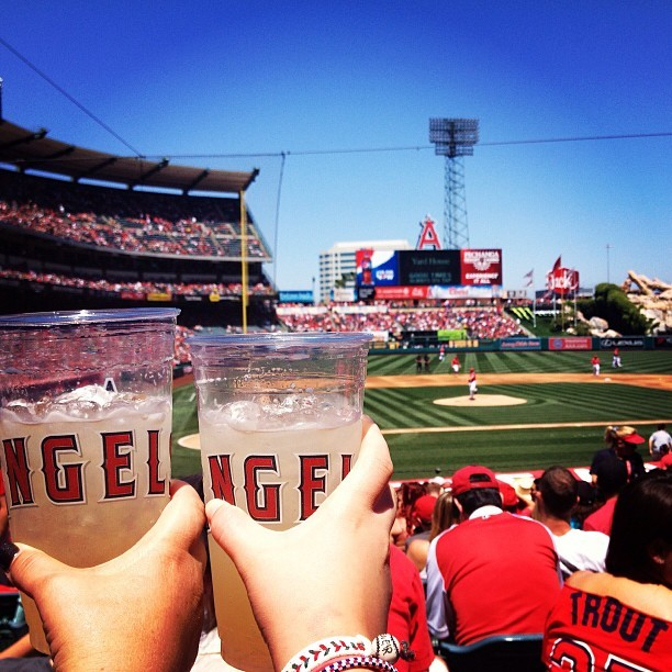 heydarlingsupreme:  Perfect day for lime-a-ritas and #angelsbaseball ! #baseballlife #fieldlevelthough #sundayfunday (at Angel Stadium of Anaheim)