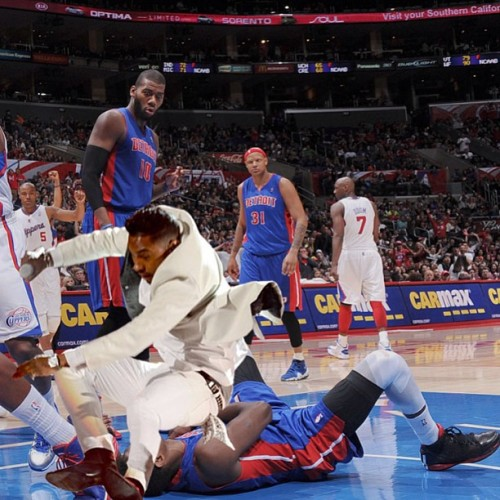 I thought it was DeAndre Jordan who dunked all over Brandon Knight…. Nope! It was Miguel with the facial!  Watch HERE on YouTube.