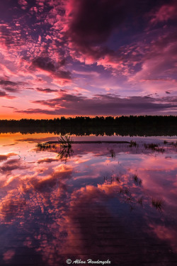 Flood of clouds by Alban Henderyckx on Flickr.