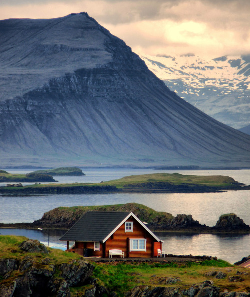 travelingcolors:  Red Cabin | Iceland (by Bharat Rao)