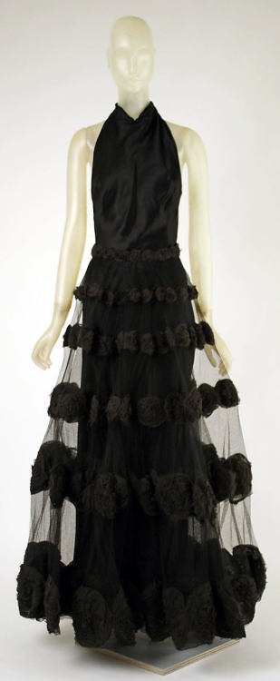 omgthatdress:  Carnival Dress Madeleine Vionnet, 1936 The Metropolitan Museum of Art