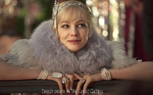 "Pearl Jewellery in Baz Luhrmann's The Great Gatsby (a very interesting post written by my friend superqueen, the other half of this blog) (via ""He Gave Her a String of Pearls Valued at Three Hundred and Fifty Thousand Dollars"": Daisy Buchanan's Pearls in The Great Gatsby 