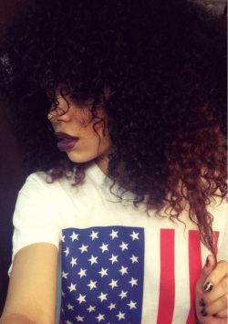 therealdashian:  ultimatebeauties:  GET THE USA FLAG TEE HERE→  A