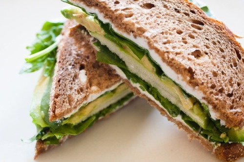 prettybalanced:  Spinach, Goats Cheese, Avocado and Apple Sandwich  Get in my belly.