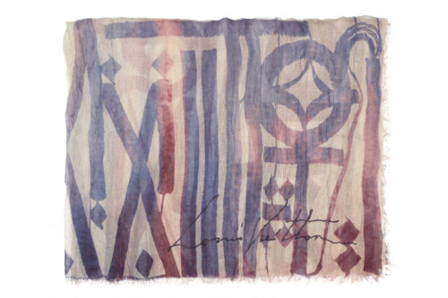 Louis Vuitton foulards d'artistes by Retna (remember Retna painting that Chanel store?). Kidult can keep on hating, he's just plain jealous of what great artists achieve.