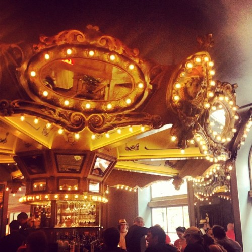 Now that's a bar. Cc: @dominiquepietz  (at The Carousel Bar & Lounge)