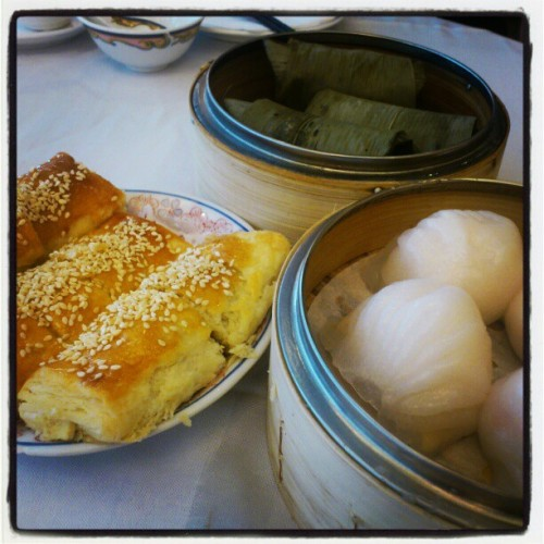 Yum dim sum at fisherman's terrace in Aberdeen mall