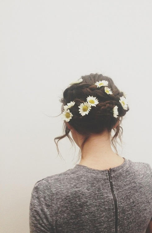 ruffles-n-sequins:  Flowers for a braided crown